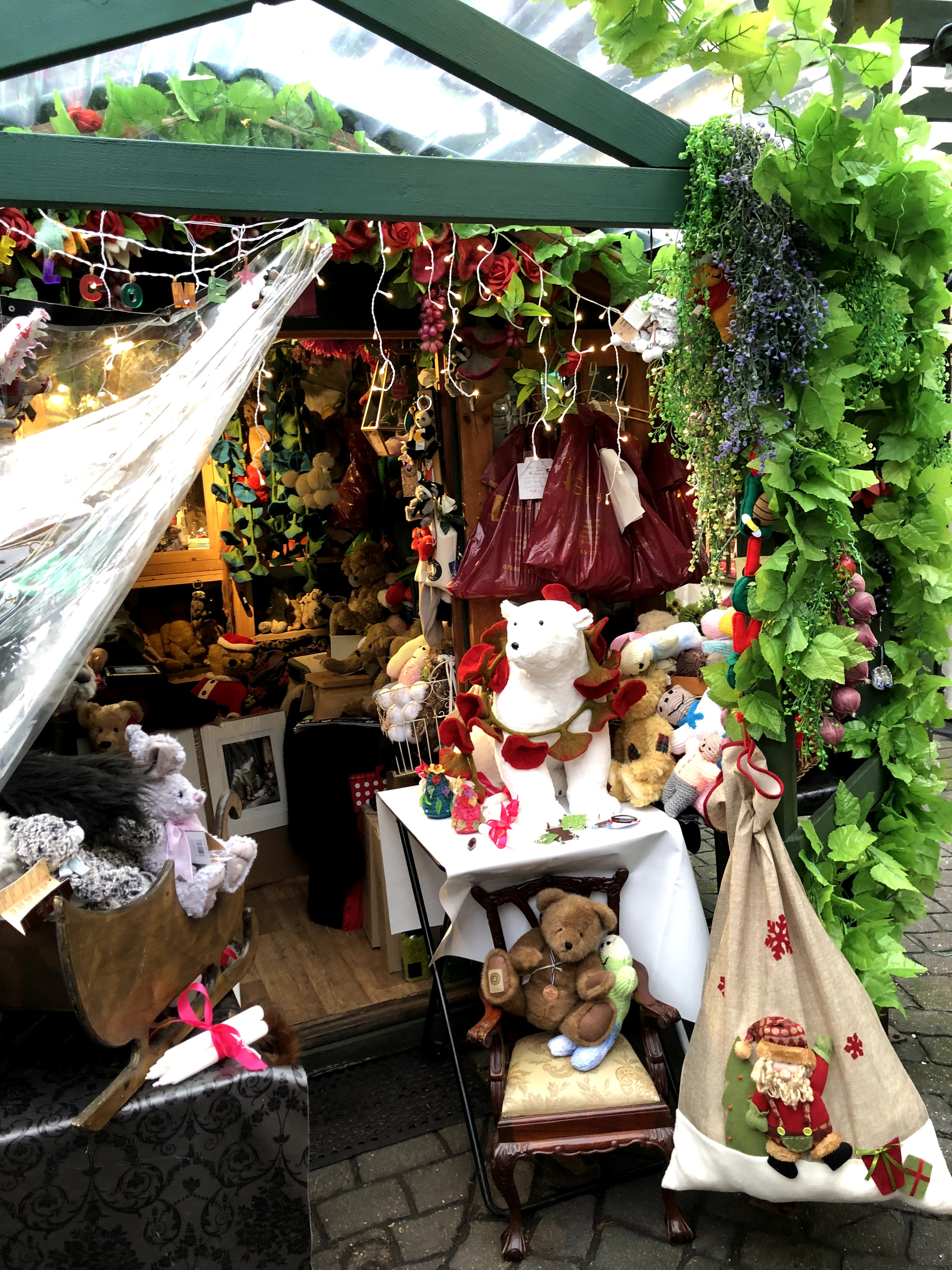 photo of small shop with teddy bears